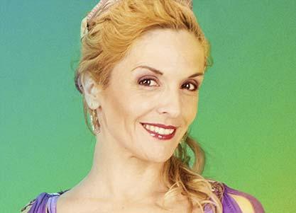 Esther Toledano interpreta a TAIS