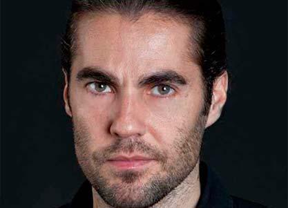 Alejandro Arestegui interpreta a TOM